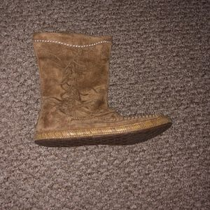 UGGS WOMEN'S HYLAND SUEDE CASUAL BOOTS NWOT